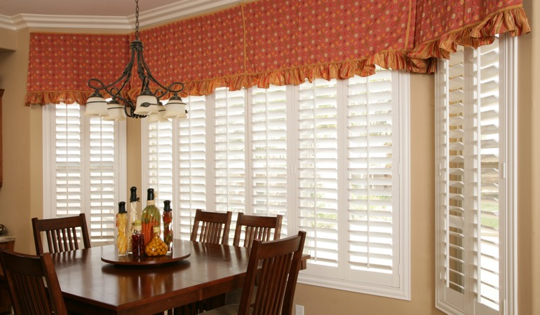 Plantation shutters in Jacksonville dining room.
