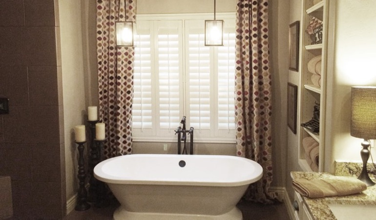 Polywood Shutters in Jacksonville Bathroom